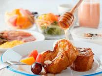フレンチトーストは、メイプルシロップはもちろんハチミツでも美味しい♪