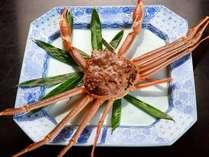 「ぶりしゃぶ」と並んで、これを食べに来るリピーターも多い特大サイズの活ガニ