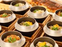 人気メニュー「炊きたての釜飯」