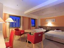 【デラックスツイン】大荷物があってもスペースを贅沢に使える!33平米の広々したお部屋です。