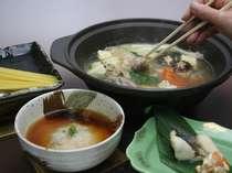 パスタや雑炊で最後の最後までお楽しみいただけます!鶏の水炊き一例