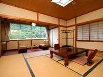【別館・和室10畳】どこか懐かしい、昔ながらのお部屋です。