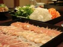 【信州産鶏三種の水炊き鍋】美しい三種類の地鶏をこだわりスープでたっぷりどうぞ!