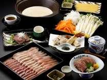 【信州産鶏三種の水炊き鍋】じっくりコトコト煮込んだプロのスープでいただく地鶏三昧鍋コース!