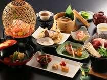 【和会席】その時期の美味しい食材で彩られます。