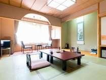 【新館・和室10畳】広縁と温水洗浄トイレ付きのお部屋です。