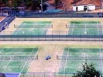 テニスグラウンドの画像