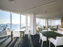 三河湾を望むオープンキッチンレストラン