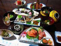 【お夕食一例】敷地内で育てている川魚や山菜など、愛情たっぷりの田舎会席が自慢!