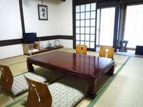 和室15畳タイプのお部屋です。広々空間でごゆっくりおくつろぎ下さいませ!
