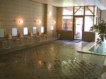 天然温泉の蔵王の湯を堪能下さい。