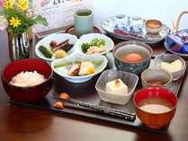 <和朝食>安曇野の爽やかな朝にぴったりの朝食(和食又は洋食かチェックイン時にお選びください)
