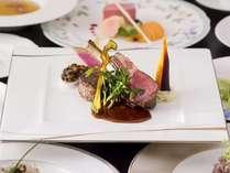 料理長特選スペシャルディナーコース。内容はそのままに厳選素材をお楽しみください。