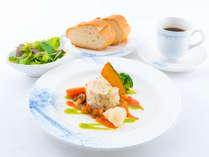 ラウンジ軽食~サーモンのフリカデル