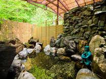 露天風呂~源泉100%掛け流しの温泉です。