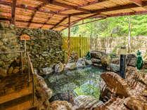 露天風呂「河童の湯」写真は男湯。もちろん温泉です。