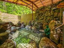 露天風呂「河童の湯」写真は女湯。もちろん温泉です。