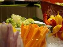 【朝食メニュー】新鮮なお野菜だから、生でも安心ですよ。