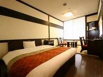【客室】28平米のひろ~いダブルルーム。ベッドも160センチのキングサイズ!