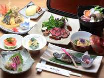 冬の夕食一例。旬の地元食材や自家製野菜を彩り豊かに調理いたします。盛り付けにもこだわり!
