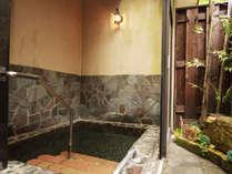 ◆【貸切露天風呂】バリアフリー完備なので安心して入浴できます。家族で入ってもゆったりと出来ます。