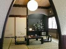 2階は寝室を2部屋ご用意。(和+和または和+洋)