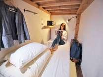 女性専用ドミトリーの広々ベッドポッド