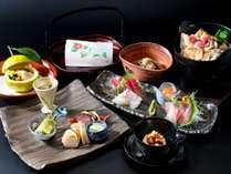 地元食材も盛り込んだ海鮮和会席をどうそ(一例)