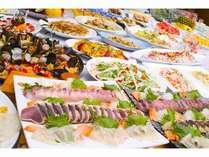 前菜からメイン・デザートまで、お好きなものを心行くまでお召し上がりください