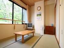和室6畳・・天気のいい日には『駒ケ岳』がみえます!!