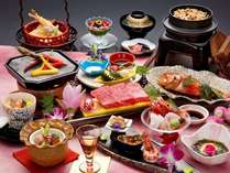 旬の会席コースをゆったりと味わう、日本の旅館ならではの醍醐味