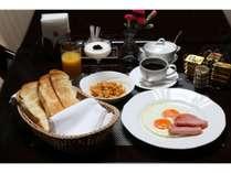 洋食【アメリカンブレックファースト】特製イギリスパンが召し上がれます