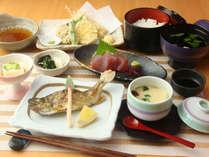 【料理】山の幸川の幸を活かした旬のお料理。