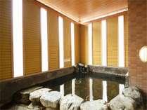 【天然温泉】男子大浴場(露天風呂)