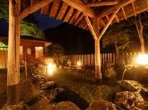 夜は幻想的な趣があふれる露天風呂