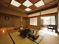 準特別室 和室12.5畳とツインベッドルーム