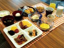 うれしい朝食付♪お召し上がりはラウンジで