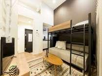 ロフト付きリビングルーム(4名部屋)キッチンもございますので、旅先でもお料理をすることが可能です♪