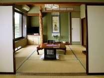 8畳二間続きの部屋です。下座敷から上座敷を望む