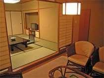お部屋はスイートタイプの60平米♪のんびりとお寛ぎ下さい。