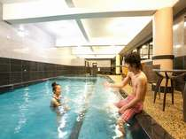 黒川唯一の室内温泉熱プールは一年中解放♪ 新館1F ご宿泊者専用(無料) 15:00~21:00※水着は要持参。