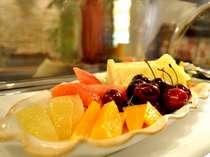 *エグゼクティブサロン(朝食時のフルーツ盛り合わせ)