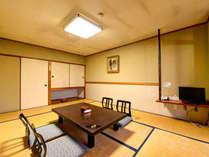 *[東館/和室10畳]2階の宴会場の目の前にございますので、少し賑やかなお部屋です。