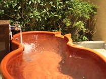 【花月亭/和洋室】月の間には露天風呂を備えています。
