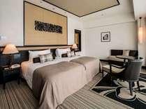 【ラグジュアリー(3~8F)】コロニアルデザインをモチーフした客室はシックで落ち着いた雰囲気