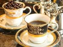 【ティーラウンジ】美味しいコーヒーを片手に、ゆったりとした時間をお楽しみください(イメージ)