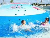 【屋外プール/バブルヒル】小さなお子様から1日中楽しめる、ホテル自慢のプール!
