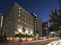 ◇アークホテル広島駅南◇JR広島駅 南口より徒歩5分・マツダスタジアムまで徒歩7分の立地です。