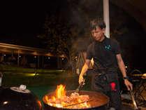 *【森とリルのBBQフィールド】BBQ検定資格を持つスタッフがおいしく調理いたします。