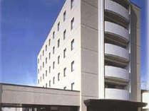 【ホテル外観】JR松任駅から徒歩3分。無料駐車場完備のアクセスしやすいホテル♪ビジネスや観光拠点に★